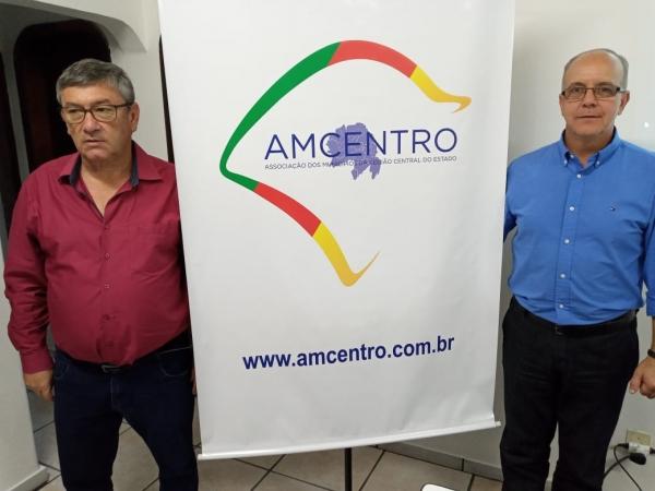 à dir. Carlos Augusto Brum de Souza, Presidente AMCENTRO gestão 2020,  à esq. Jocelvio Cardoso, Presidente eleito)