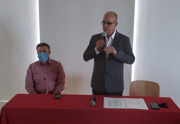 Da esq. para a dir: Paulinho Salerno, Presidente do CIRC e Jocelvio Cardoso, o Xirú, Presidente da AMCENTRO.