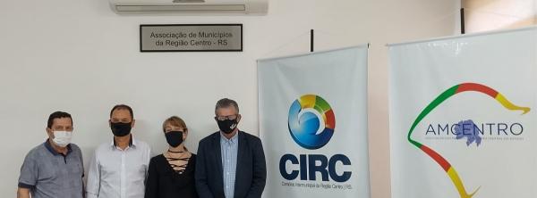 PRESIDENTE DO IPE VISITA A AMCENTRO/CIRC